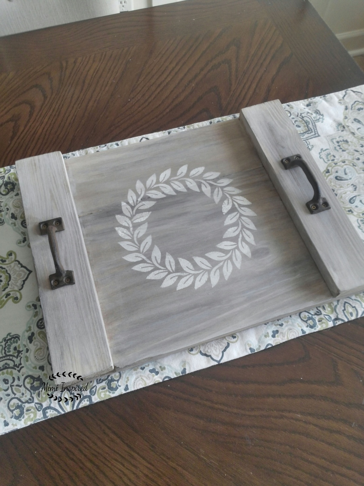 Decorative Cottage and Farmhouse Wood Trays